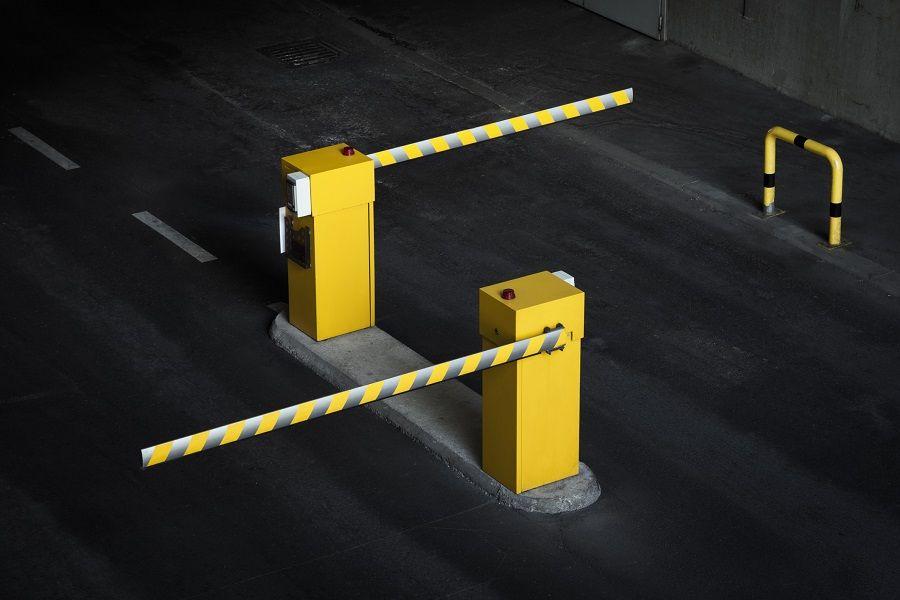 jak dzialaja szlabany na parkingach strzezonych - Jak działają szlabany na parkingach strzeżonych?